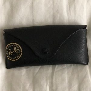 Accessories - Ray bans case